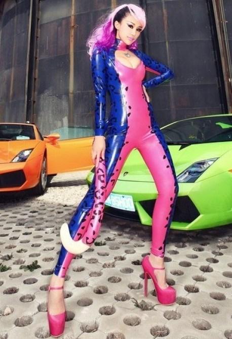 china-catwoman-shanghai-auto-6