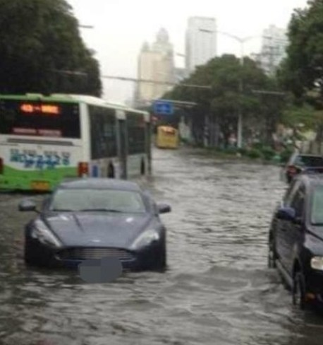 Aston Martin Rapide learns how to Swim in China