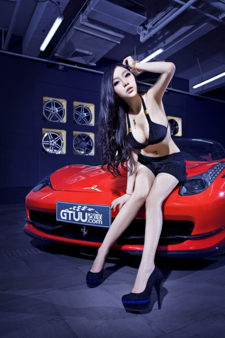 china-ferrari-babe-1-7