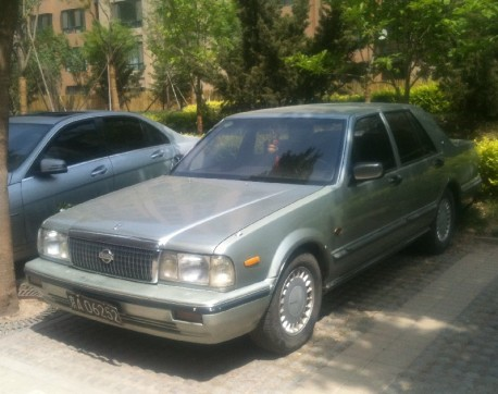 Spotted in China: Y31 Nissan Cedric Brougham VIP in Silver