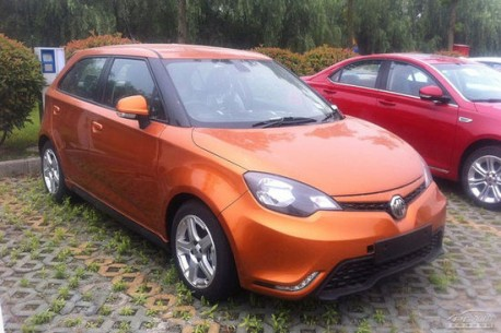 Spy Shots: facelifted MG3 is Naked in China