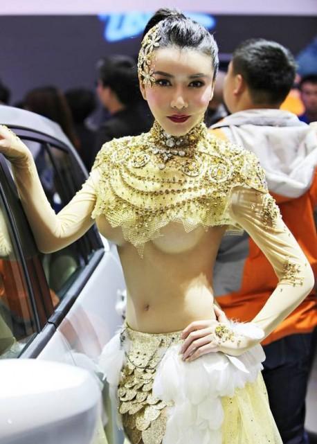 sexy-car-model-china-4