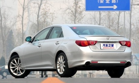 toyota-reiz-china-fl-2
