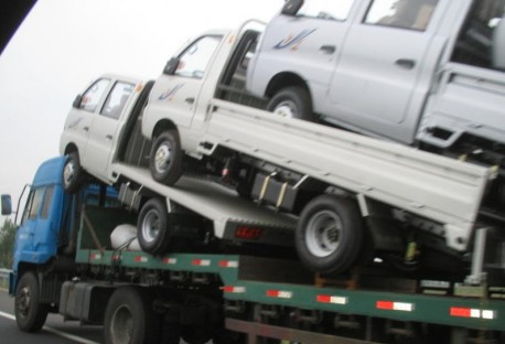 Transporting medium sized trucks, the Chinese Way