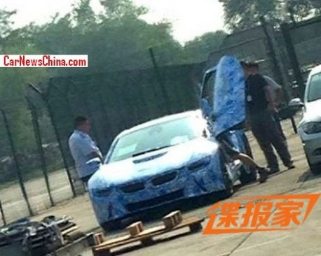Spy Shots: BMW i8 testing in China