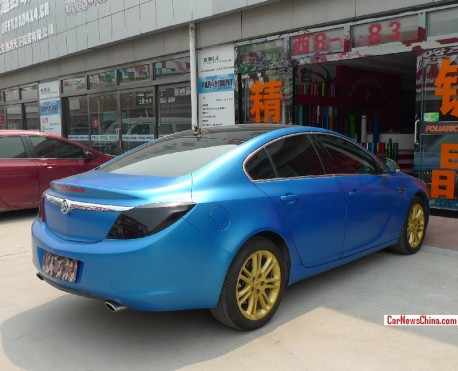 buick-regal-blue-china-3