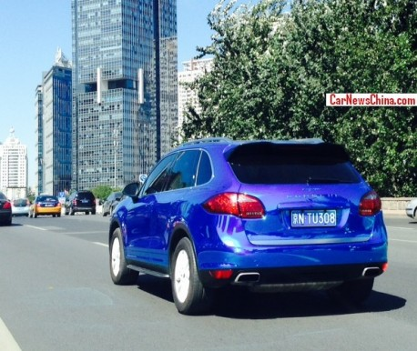 porsche-cayenne-shiny-blue-china-2