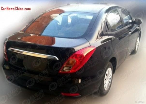 gonow-sedan-china-2