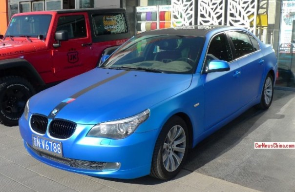 BMW 5-Series is shiny blue in China