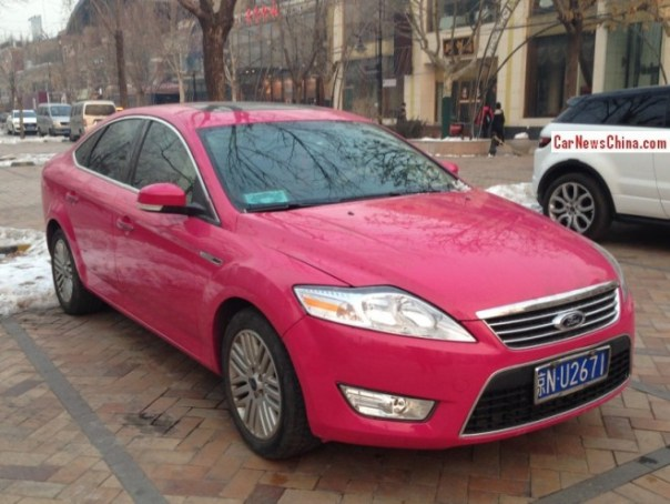 ford-mondeo-pink-china-1
