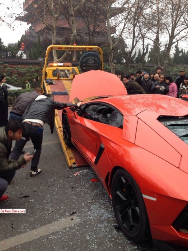 lamborghini-crash-china-2-7