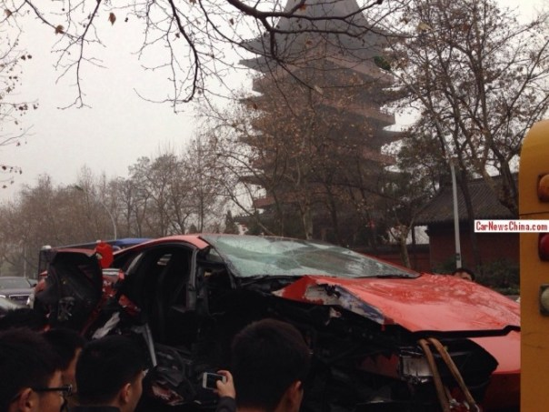 lamborghini-crash-china-2-9