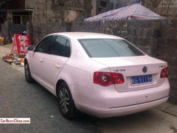volkswagen-sagitar-pink-china-2