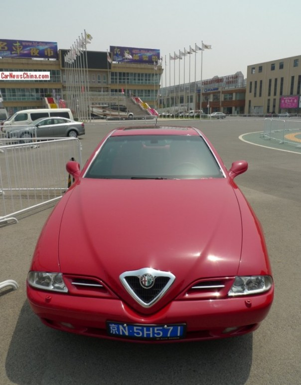 Spotted in China: Alfa Romeo 166 in Red