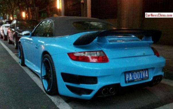 porsche-blue-911-china-2
