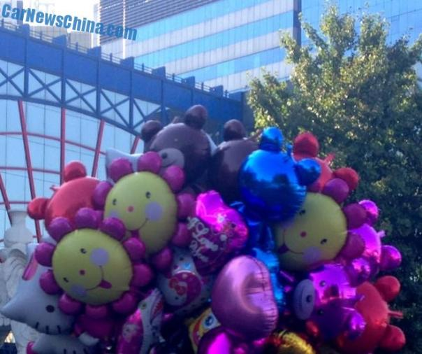 balloons-china-tricycle-2