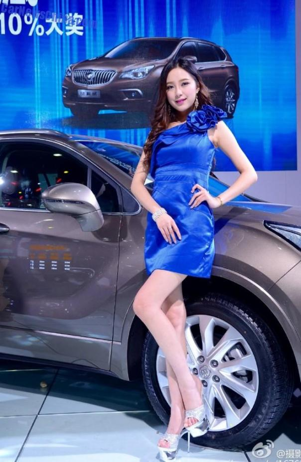 china-car-girls-wuhan-9a