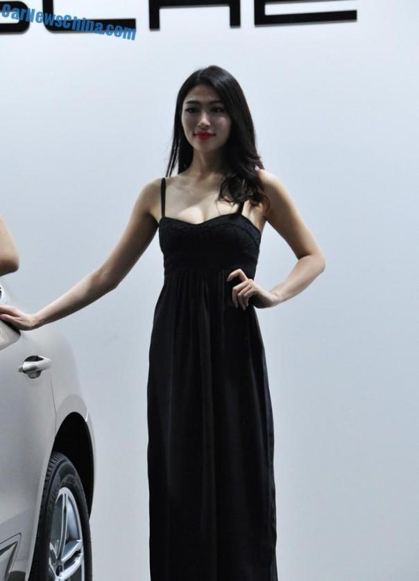 china-car-girls-xian-9d