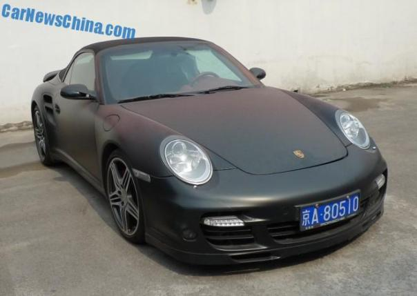 Porsche 911 Turbo is matte black in China