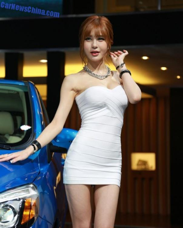 china-car-girls-gz-2-beijing-auto-1