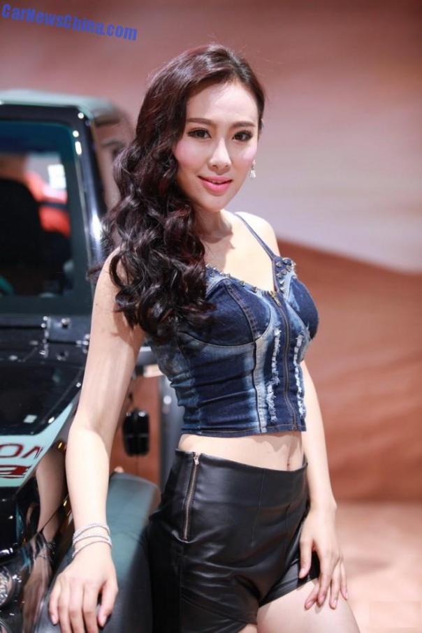 china-car-girls-gz-2-beijing-auto-3