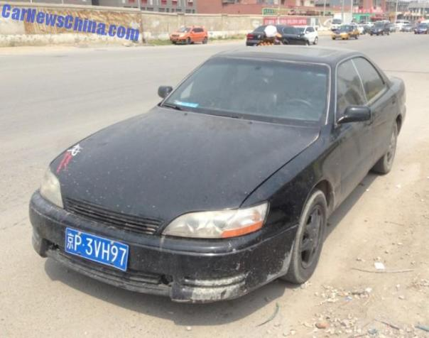 Lexus ES300 is dusty in China
