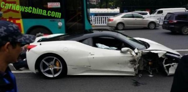 Ferrari 458 Italia crashes in China