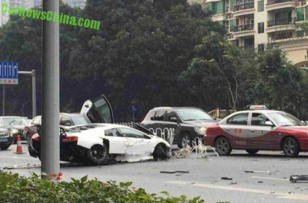 lamborghini-crash-china-1-5b