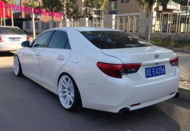 toyota-reiz-china-white-3