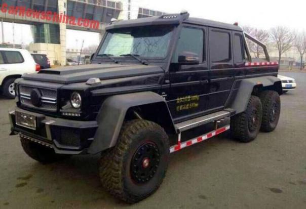 Brabus 700 Mercedes G63 AMG 6x6 arrives in China, dressed in 3M