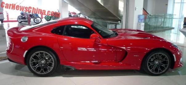 dodge-viper-srt-china-3