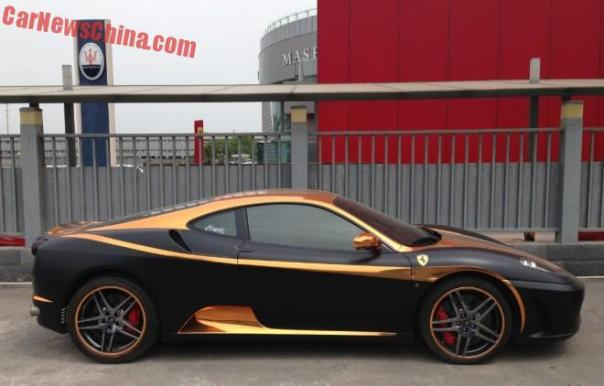 ferrari-f430-black-gold-china-2