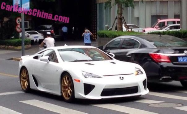 lexus-lfa-china-white-4