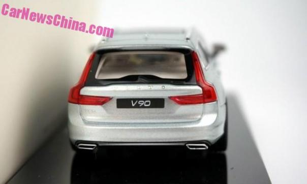 volvo-v90-liquid-blue-1