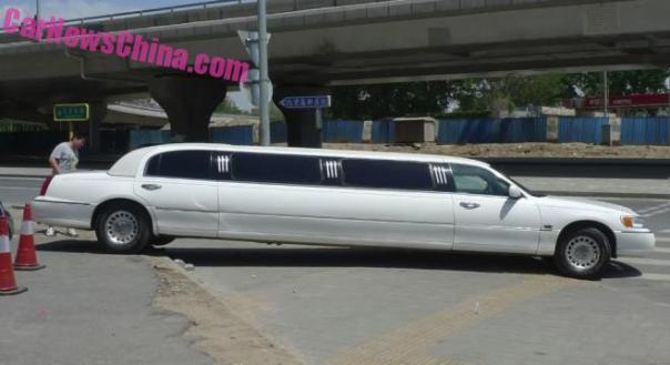 lincoln-limo-china-3