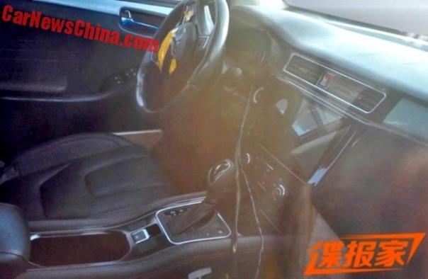dongfeng-suv-interior-2