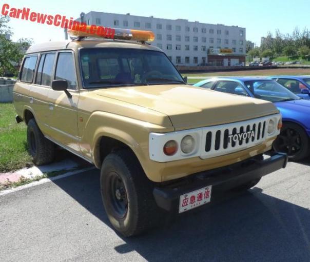 toyota-land-cruiser-beige-7
