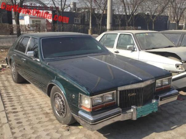 Spotted in China: second generation Cadillac Seville