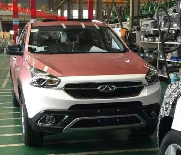 New Spy Shots of the Chery Tiggo 7 SUV for China