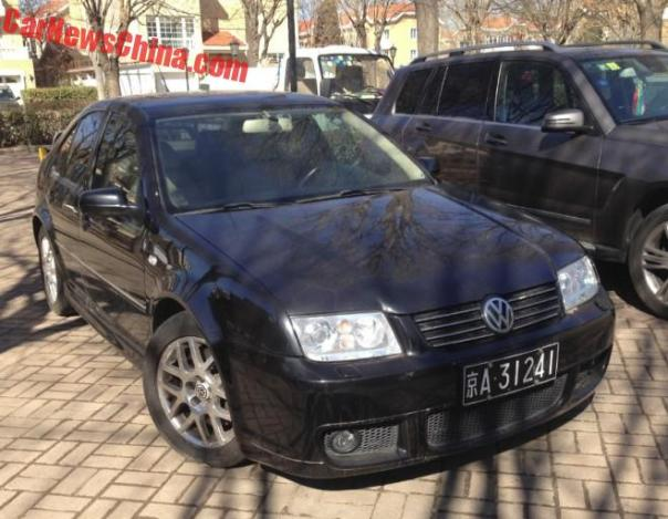volkswagen-bora-r-china-black-45jpg