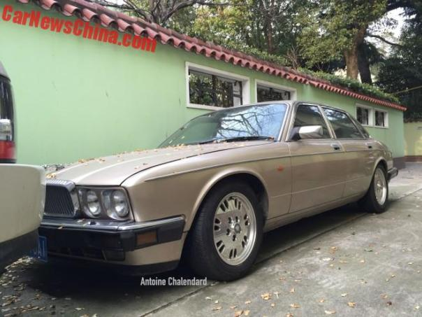 Spotted in China: XJ40 Jaguar Sovereign in Beige