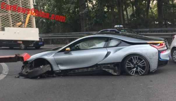BMW i8 Crashes In China