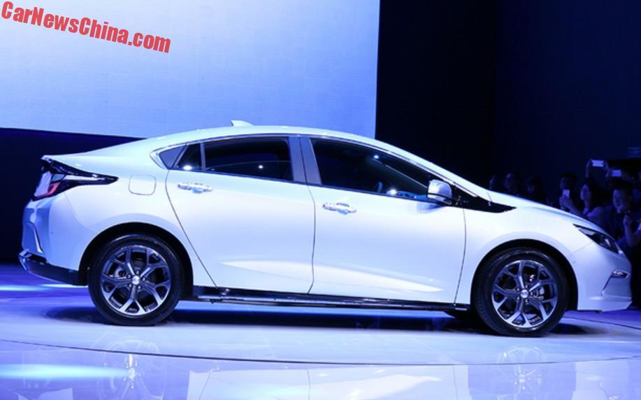 Volkswagen debuts I.D. Crozz autonomous crossover EV in Shanghai
