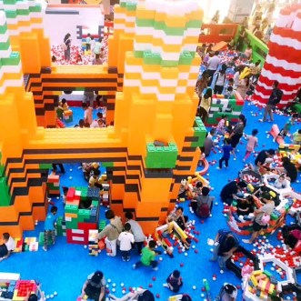 Giant-Lego-Playground-for-Hire