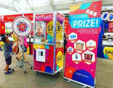 Arcade Claw Machine Rental