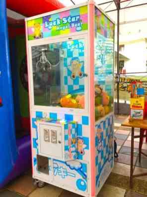Singapore Claw Catcher Rental