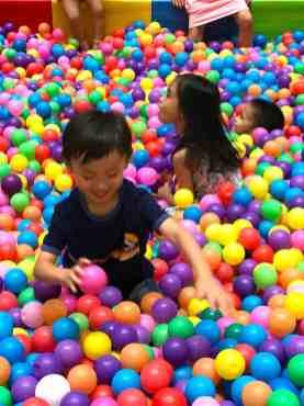 Giant Ball Pool Rental