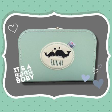 Kraamcadeau van een Geboortekaartje: Koffertje met Naam