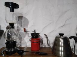 Cafetera de sifón, coffee brewing, molino de café, barista