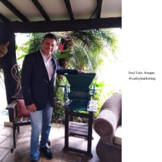José Luis Araque  Msc. Mercadeo. Productor y tostador de café. Barista